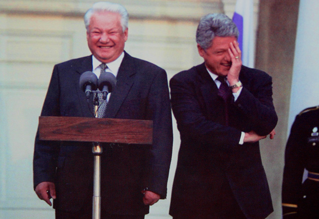 Yeltsin_and_clinton_laughing